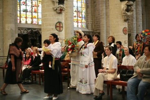 Une Eglise dans toutes les langues / The Church of Brussels, a place for all!