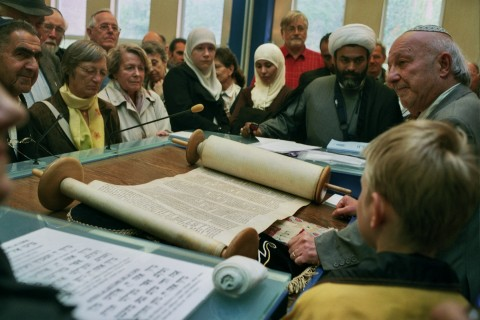 Dossier : le dialogue interreligieux